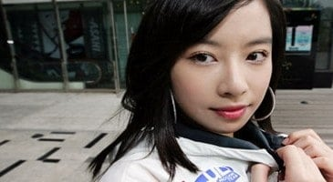Korea?s Top Female StarCraft player decides to retire a decade later