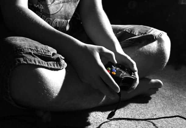 "Critical Thinking: The Solitary Nature of ""Social"" Gaming"